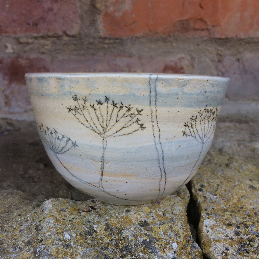 Small cow parsley bowl