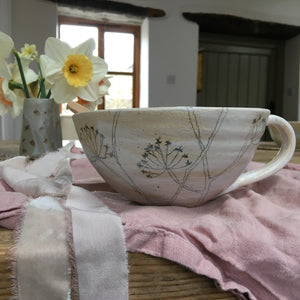 XL Wobble mug with cow parsley sketch