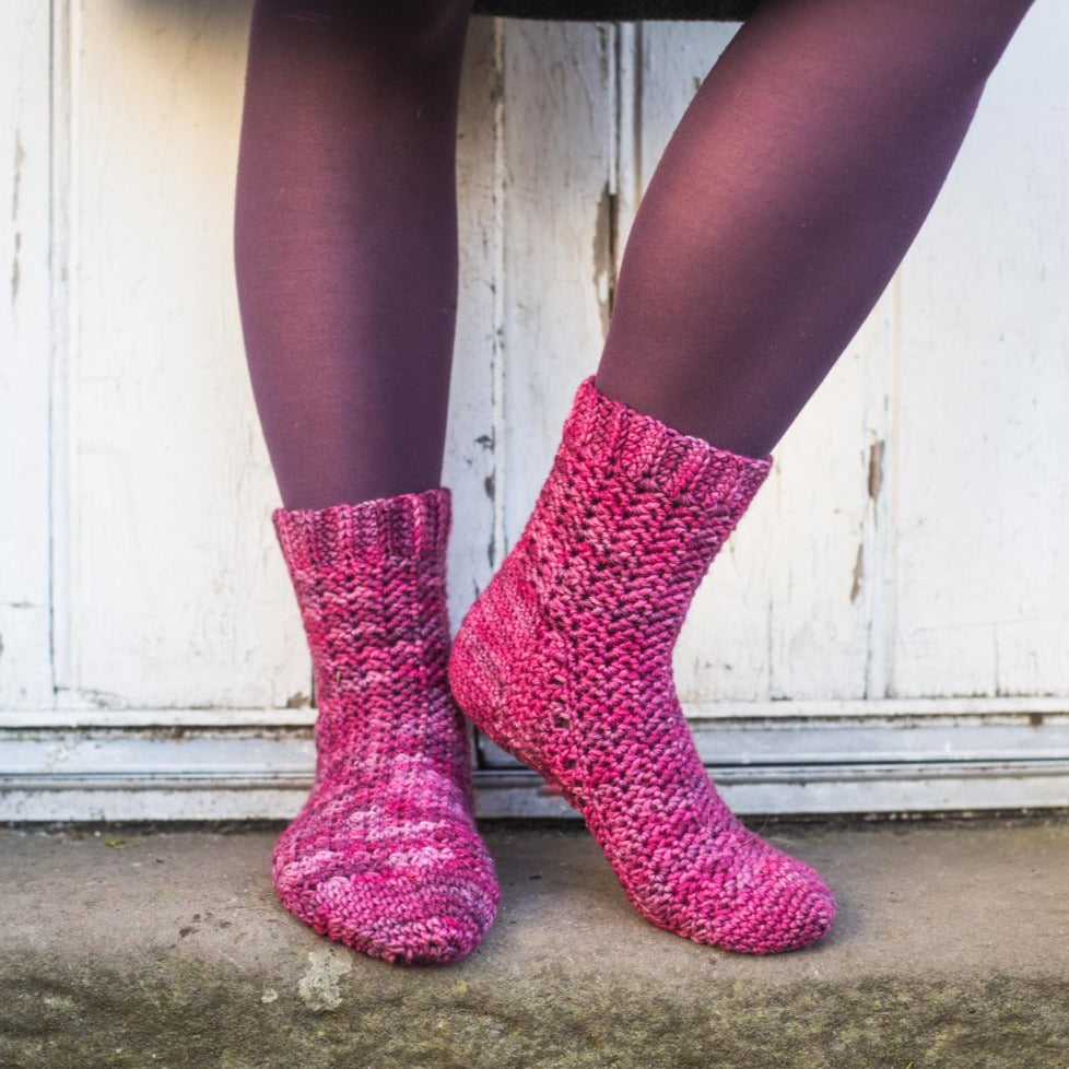 Riley & Saunders - Unisex crochet sock pattern for all sizes