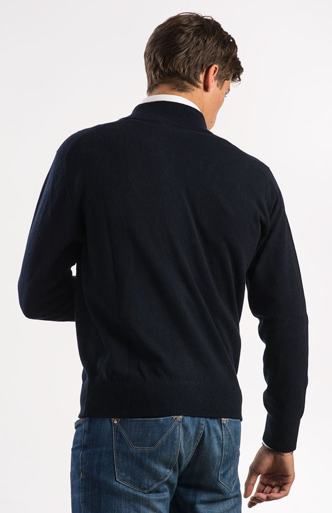 Cardigan in puro cashmere color blu navy, con zip, dietro.