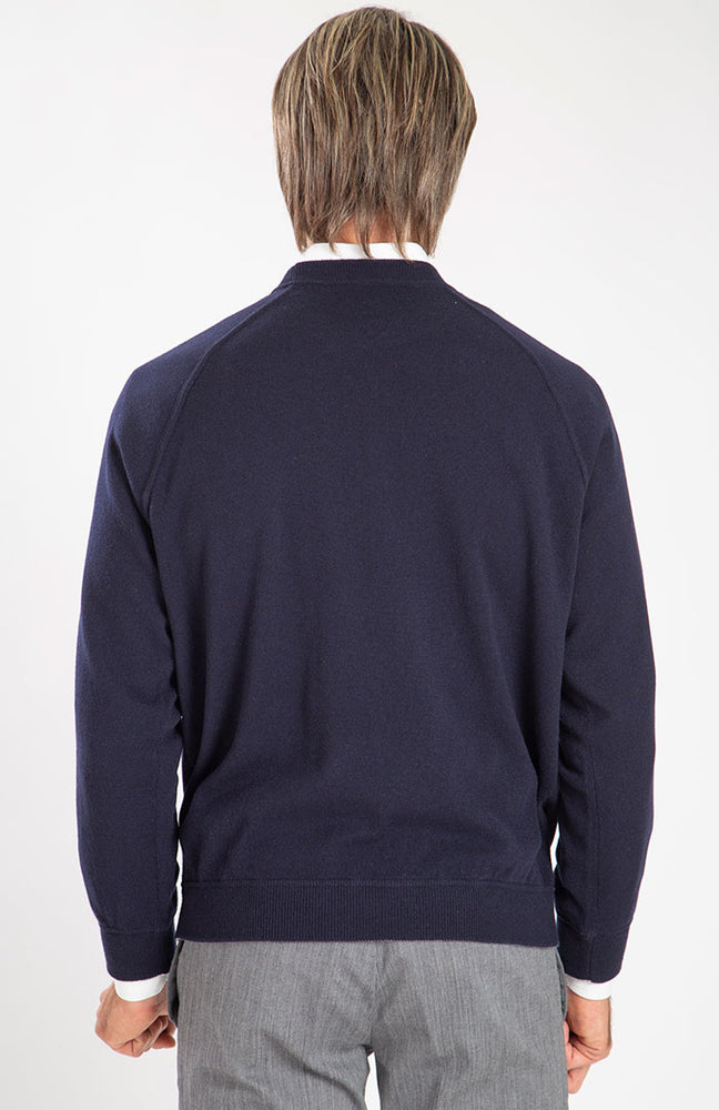 Felpa girocollo in puro cashmere color blu navy, dietro.