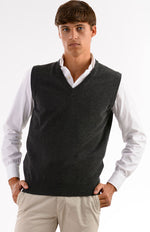 Gilet scollo v 100% cashmere color antracite, davanti.