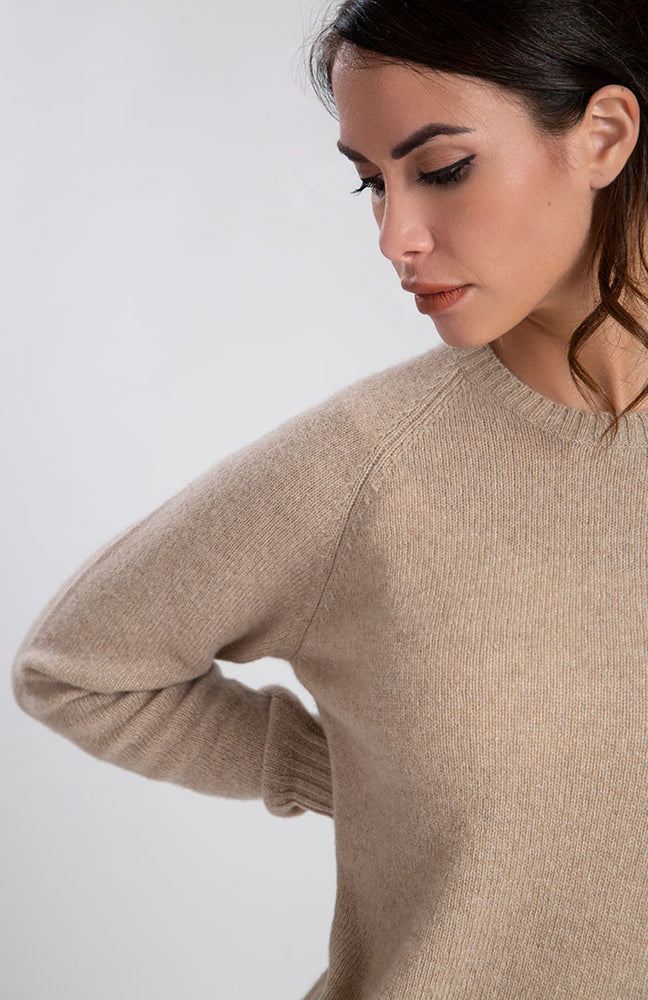 Girocollo donna in eco cashmere color ciclamino, dietro.