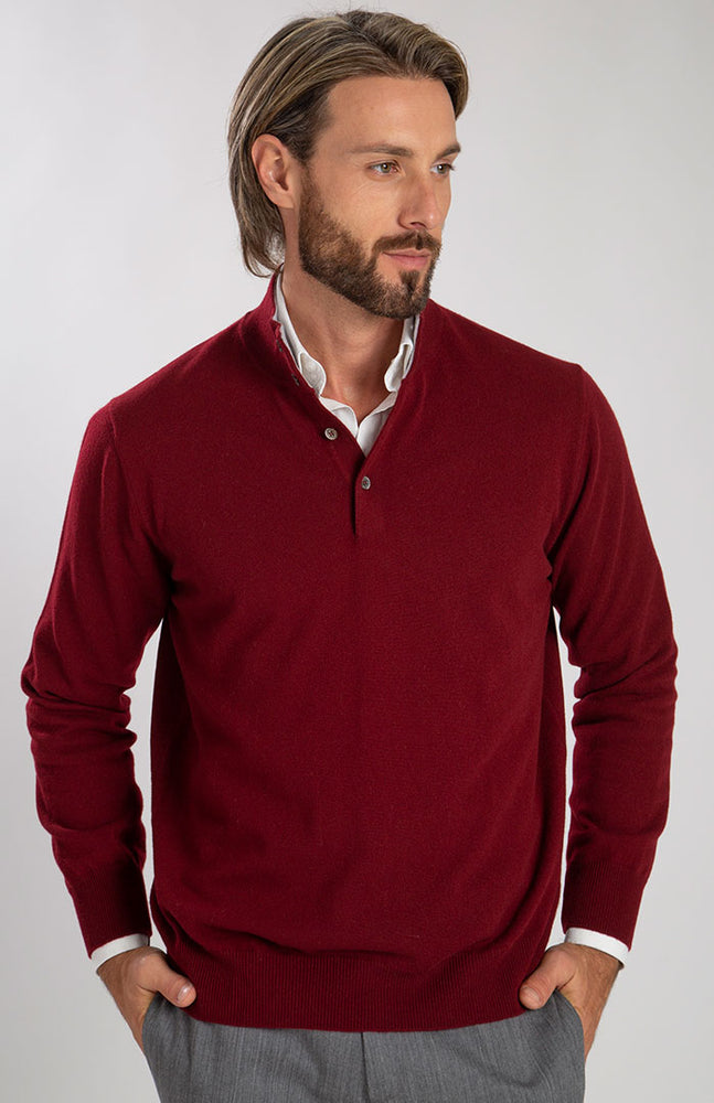 Lupetto bottoni in puro cashmere color bordeaux, davanti.