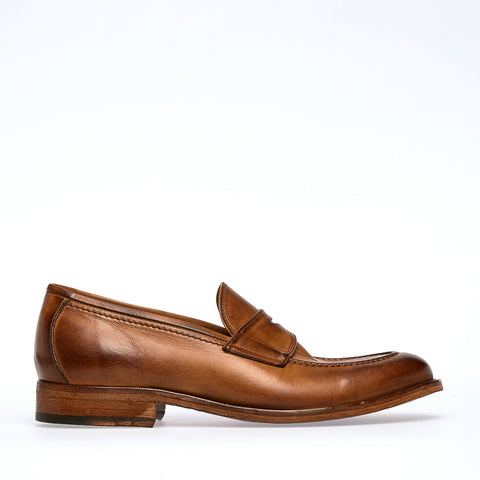 Crock Saddle Loafer | Camel