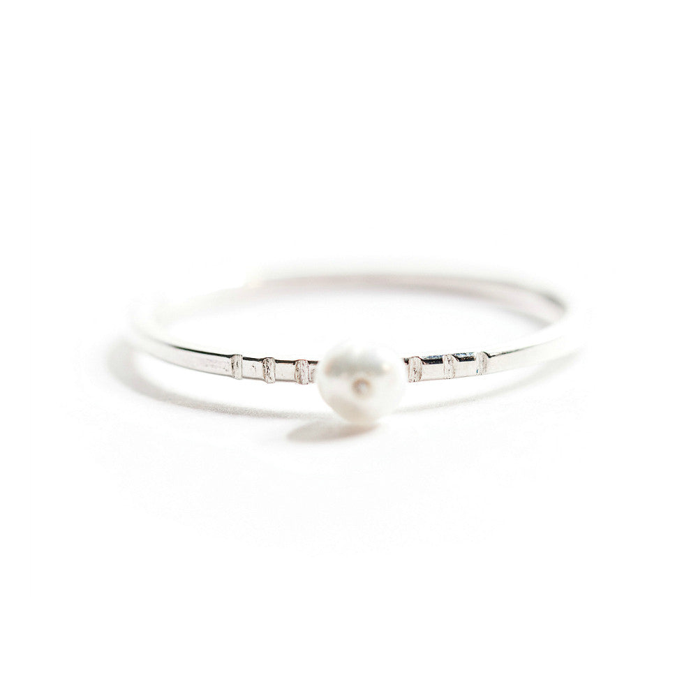 Silver & Freshwater Pearl Ring (Simple)