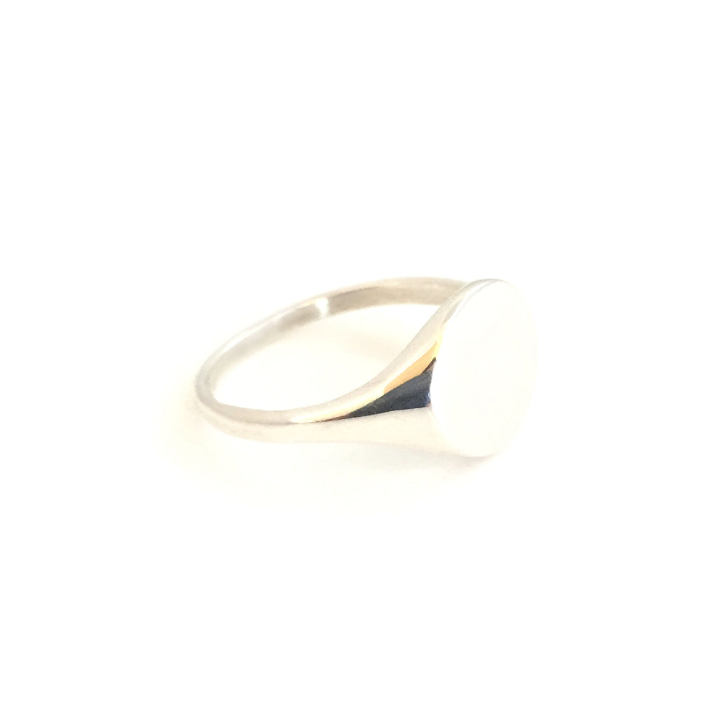 Silver Round Ladies Signet Ring