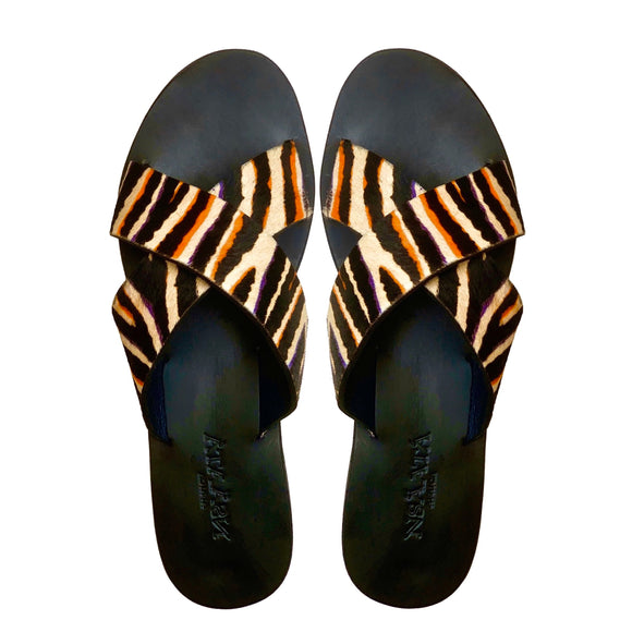 UGONNA Basic criss-cross slippers with zebra fur-Slippers-NSAATA