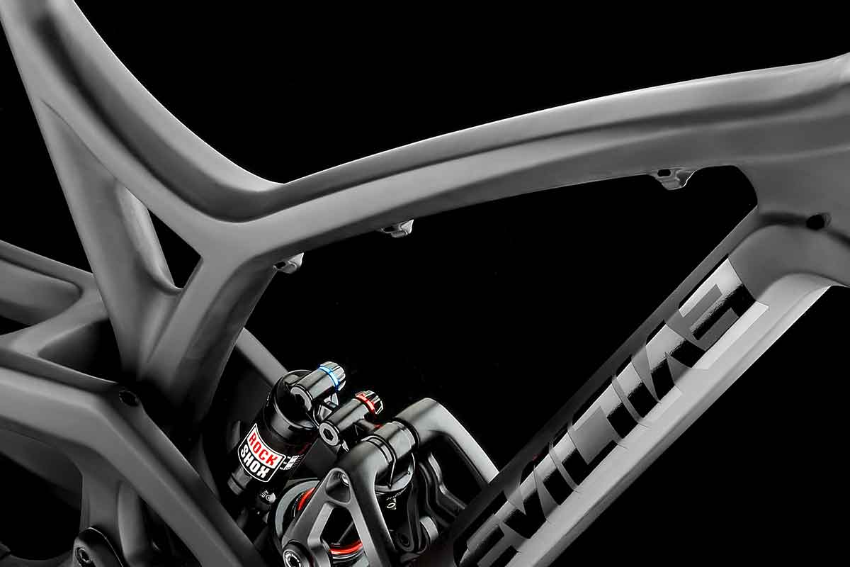Evil Bikes Tech - unidirectional carbon