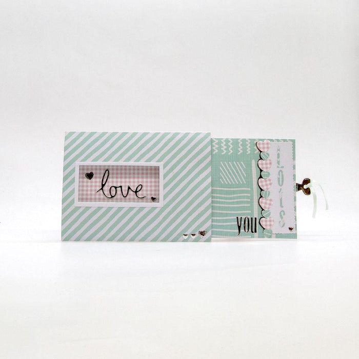 Tonic Studios - Little Miss Three Tiered Pull Up Card Die Set - 3459E