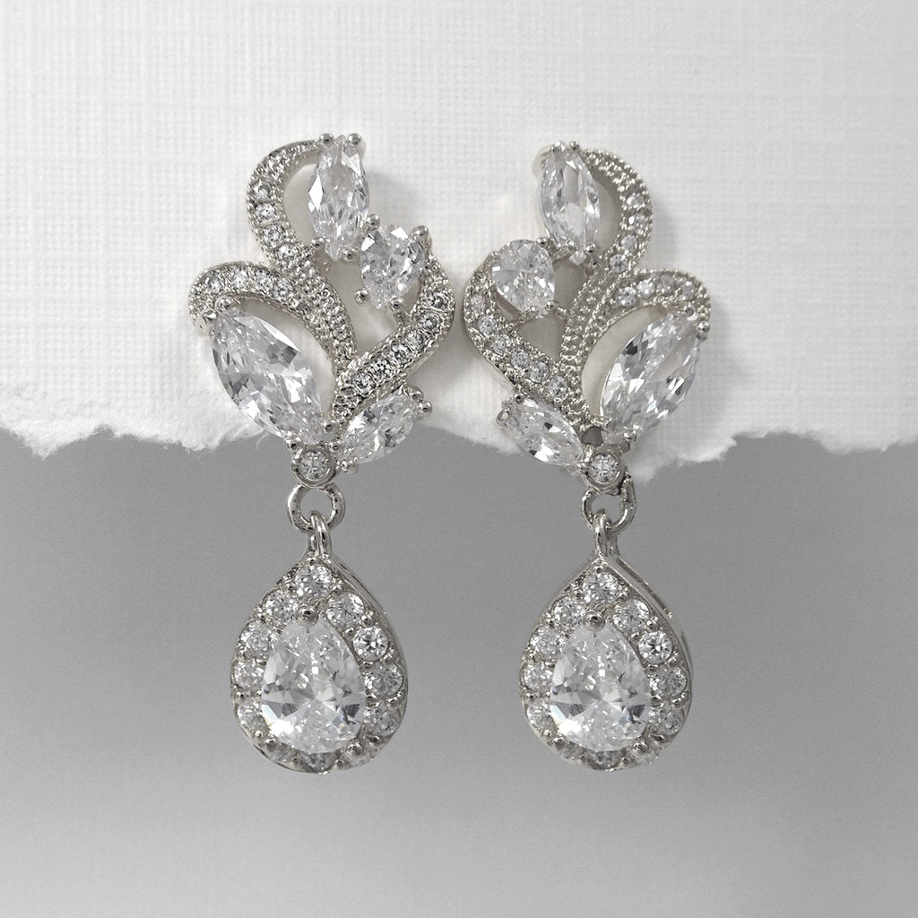 clear cubic zirconia crystal drop earrings in silver setting