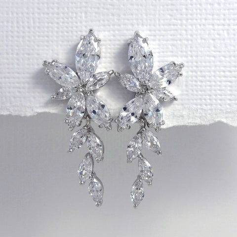 clear cubic zirconia crystal earrings in silver setting