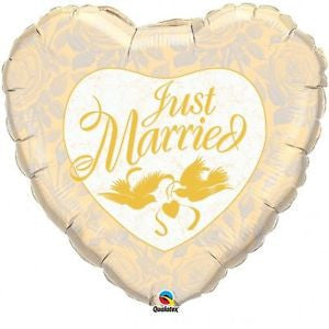 "18"" JUST MARRIED IVORY/GOLD-FOIL BALLOON (253)"