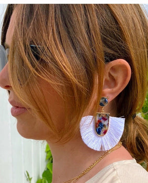 Load image into Gallery viewer, Summer Tassle Earring