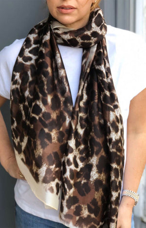 Plaza Natural Leopard Print