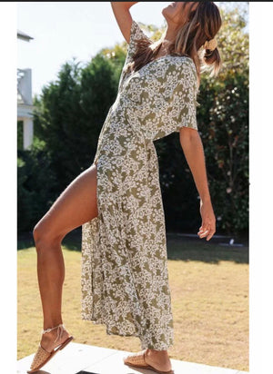 Load image into Gallery viewer, V front maxi in khaki