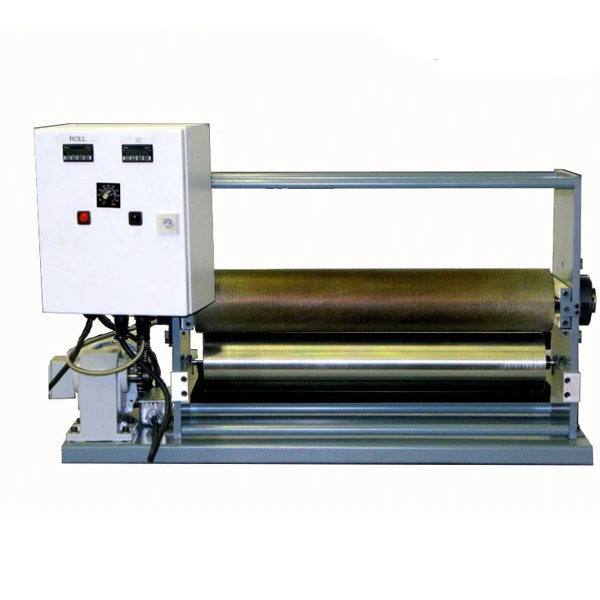 Hot melt roll coater for top or bottom coating