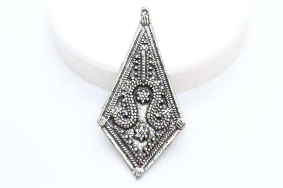 NEW Beautiful Vintage Pewter Pendant Raised Pattern Jewelry Findings 50x24mm (1 pc) 32V10