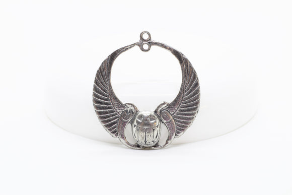 NEW Vintage Pewter Egyptian Revival Winged Scarab Pendant (1 piece) 235V10