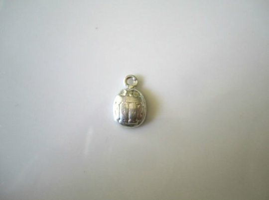 NEW Vintage Pewter Egyptian Revival Scarab Charm Jewelry Findings 13x9mm (1 pc) 301AV10