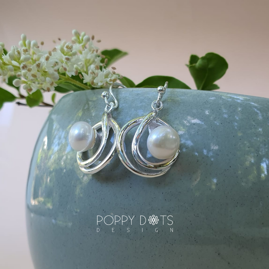 Sterling Silver & Freshwater Pearl Lilou earrings