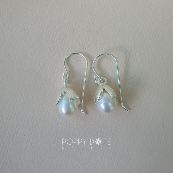 Classico Sterling Silver & Freshwater Pearl earrings