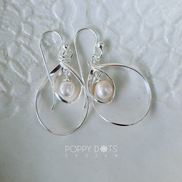 Sterling Silver & Freshwater Pearl Amelie earrings