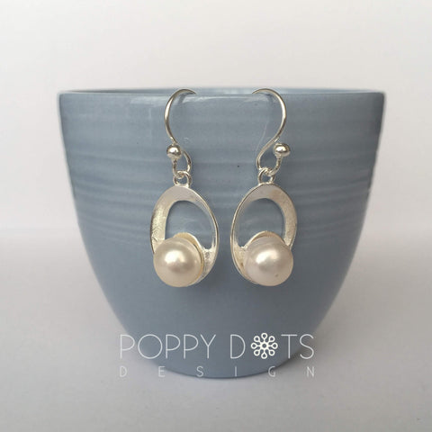 Sterling Silver & Freshwater Pearl Ovaloid Earrings