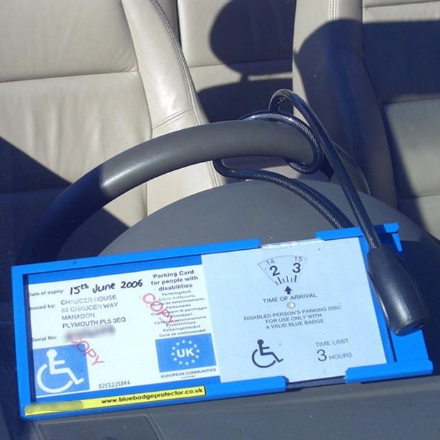 How to use your Blue Badge Protector