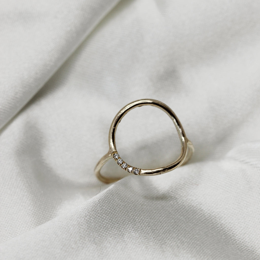 2 1 6 // diamond circle ring