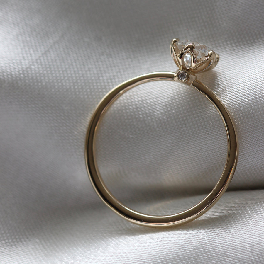 0 2 2 6 // grandpierre ring - gold bones