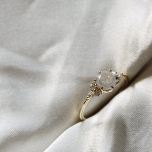 2 2 5 1 // 0.93CT icy diamond ryan ring - ready to ship