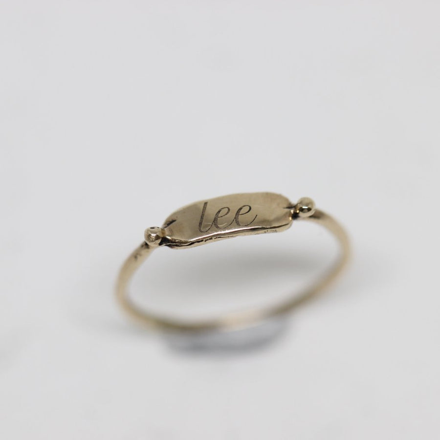0 0 1 // tiny signet ring