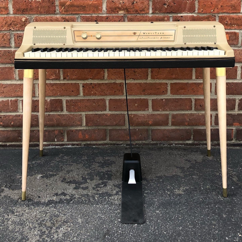 Wurlitzer 200/200A Ash wood legs with brass hardware