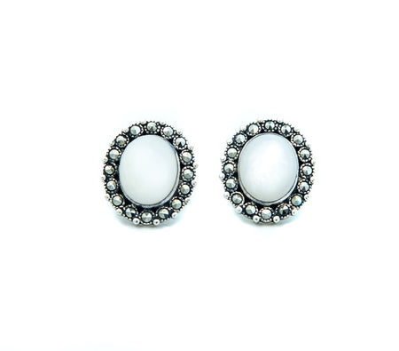Oval Milky Earrings