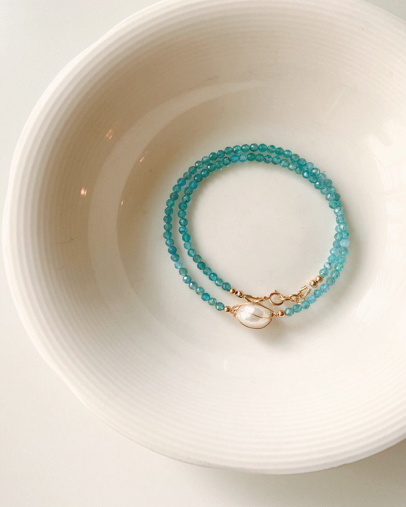 Apatite Choker Necklace with Fresh Water Pearl