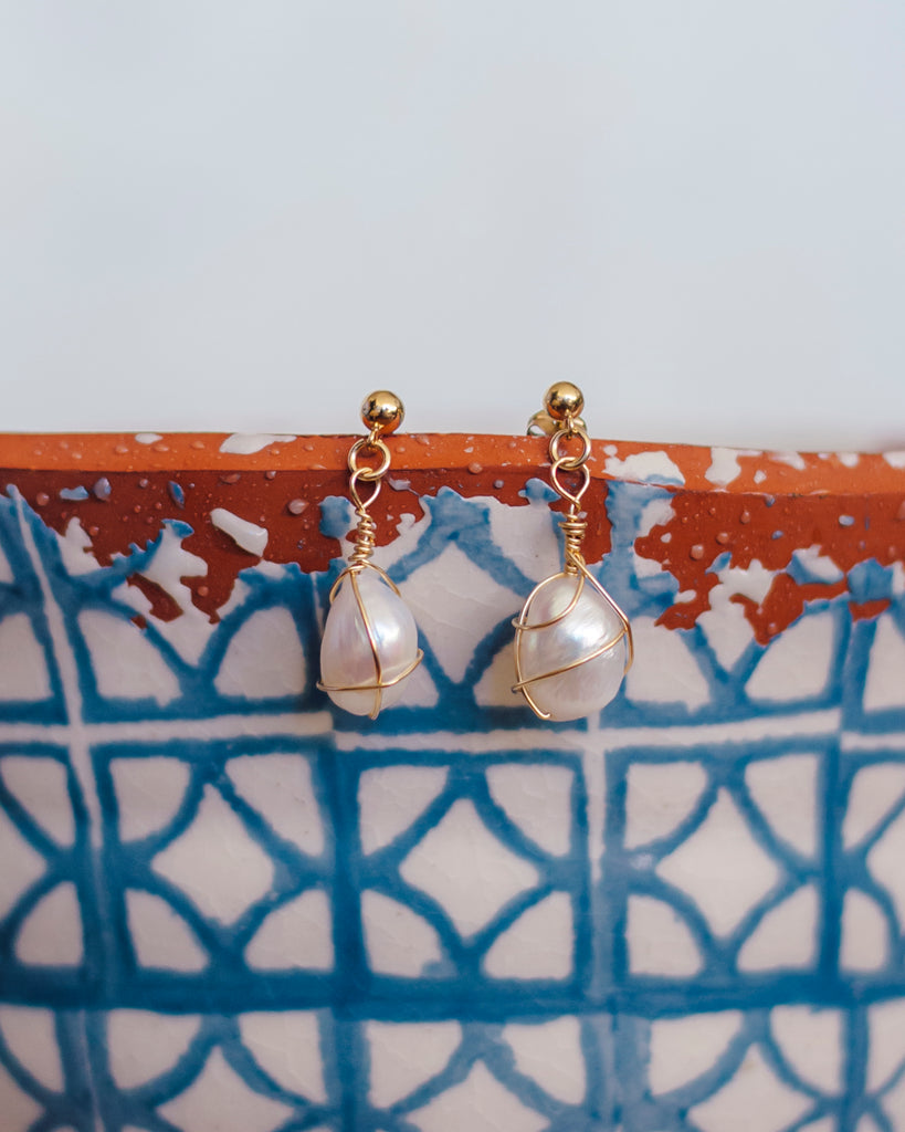 Baroque pearl  Pendulum Earrings