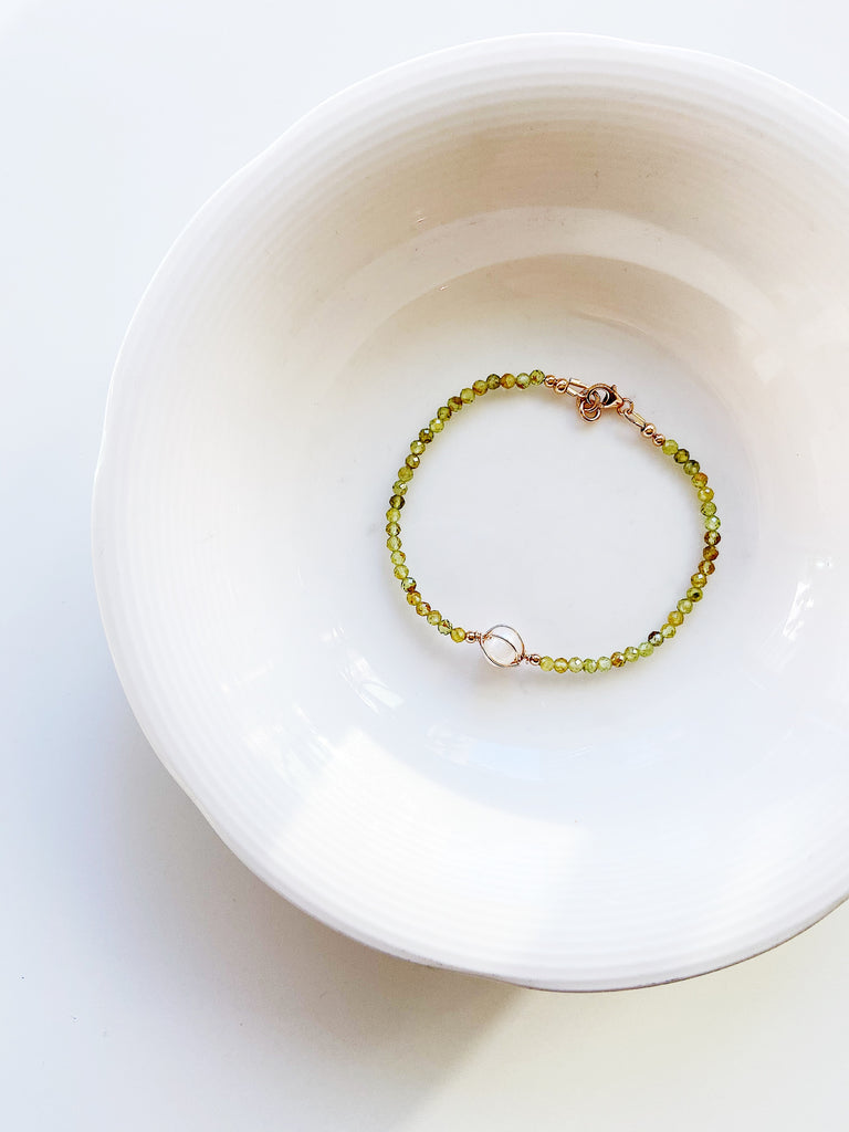 Peridot bracelet with fresh water pearl - Large Size