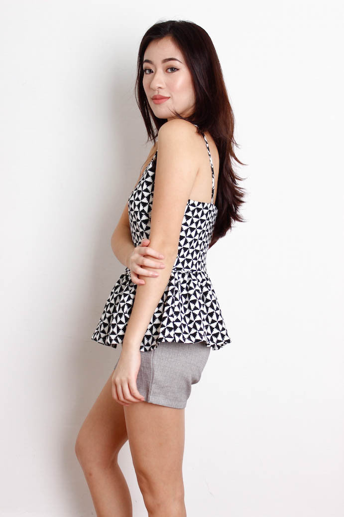 [MEGAGAMIE] Cut In Houndstooth Peplum Top