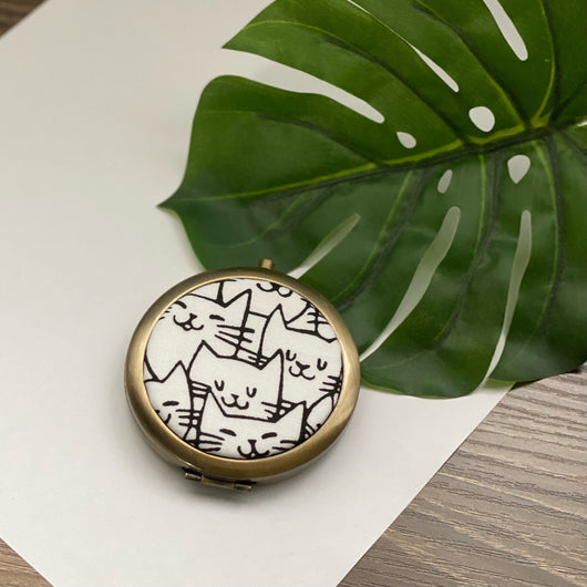 Cat Happy White (Bronze) - Compact Pocket Mirror