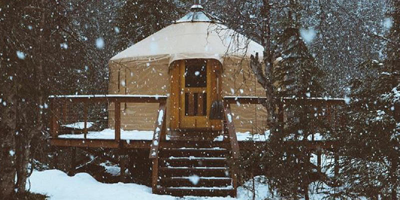 yurt-homes-houses-yert-door-frame-build