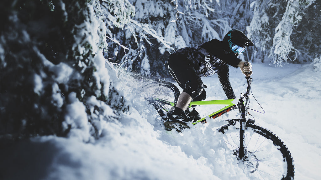 Insane Speed while Riding Mountain Bikes in the Snow with Shaperideshoot