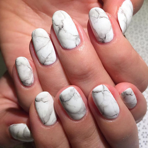 Matte marble nails