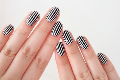 No Tool Nail Art 5 Easy Designs For Beginners Roxie Design Lab