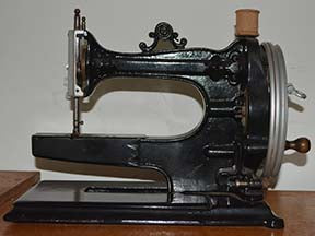 QPG007-Old Sewing Machine Fabric Panel