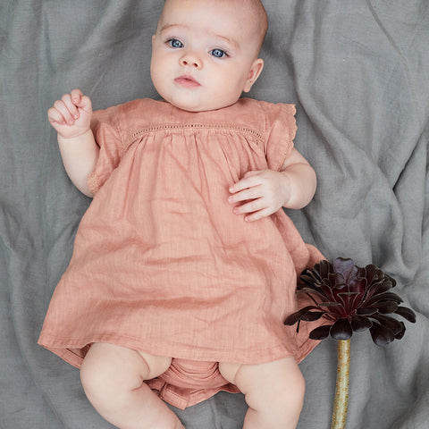 My Little Cozmo Baby Leinen Outfit Terracotta bei Yay Kids