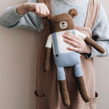 Main Sauvage gestrickter Teddybär Gross Blue bei Yay Kids