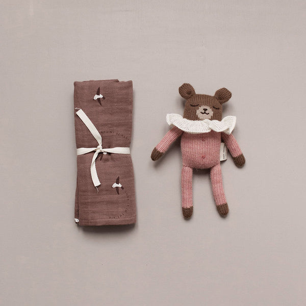 Main Sauvage gestrickter Teddy rosa bei Yay Kids