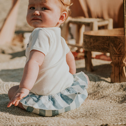 Sproet & Sprout Baby Mädchen Bloomers Jeans gestreift bei Yay Kids