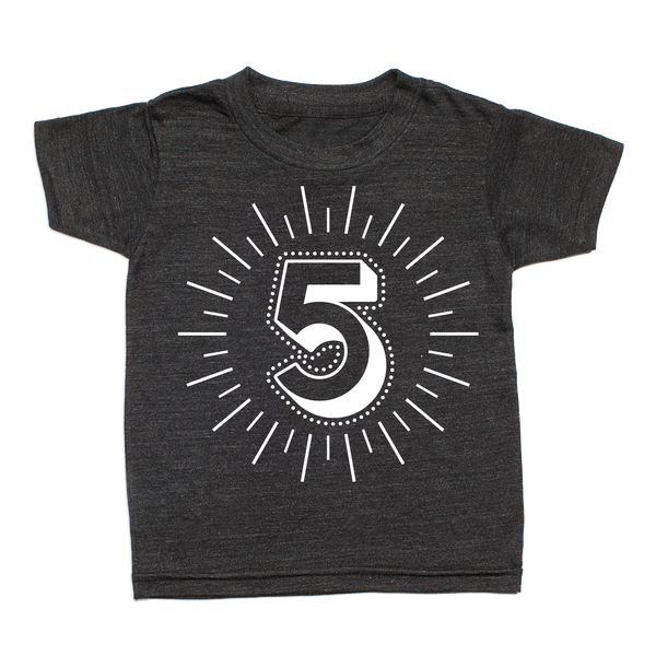 Whistle & Flute Kinder T-Shirt Milestone Numbers 5 Jahre bei Yay Kids
